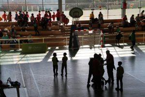 jogos de oeiras crianças a jogar andebol