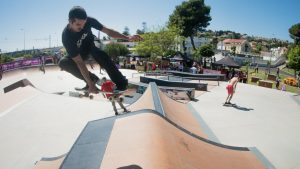 Jogos de Oeiras crianças e adultos a andar de skate